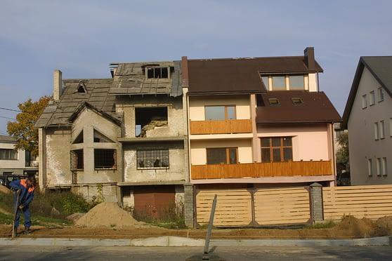 Kontrastai: nepatraukli kaimynystė.